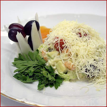 Салат с авокадо. www.news-kvartal.ru